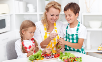 getting kids to eat healthy e1426718568354 How to Get Your Kids to Eat Healthy