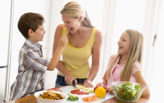 healthy eating mother and kids
