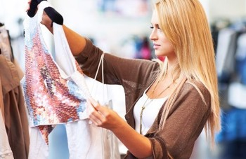 clothes shopping on a budget e1479156536113 3 Top Tips for Shopping on a Budget